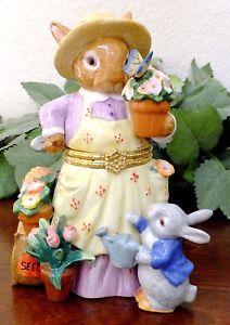 Trinket Box Mother Rabbit Gardener Peter Bunny Flowers Apron Figurine Decor CWC