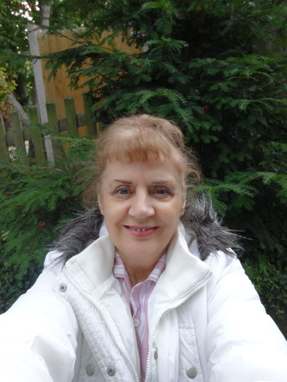 Johlan Veluz (b. 1985)