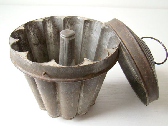 Antique Cake Mold With Lid