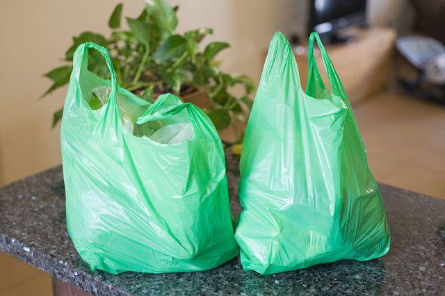 Ordena las bolsas de plástico con este sencillo truco - WomansDaySpain.es