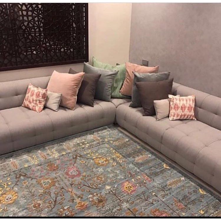 Pin By Lidya Samama On Deco Et Style Living Room Seating Ideas Without Sofa Living Room Design Inspiration Table Decor Living Room
