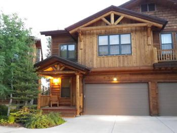 Steamboat Springs, CO: 4 bedrooms + rec room,  5 1/2 bathrooms  Sleeps 8-9    Rent from the owners and save!    The Mountaineer at Steamboat with its rustic western ambiance...