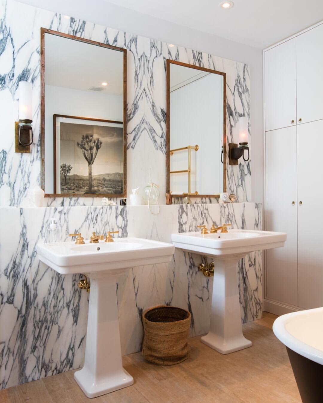 new bathroom images%0A Browse beautiful images of Nate Berkus Associates u    s Manhattan Penthouse  project on Explore this Family Home in New York  NY and other breathtaking  designs