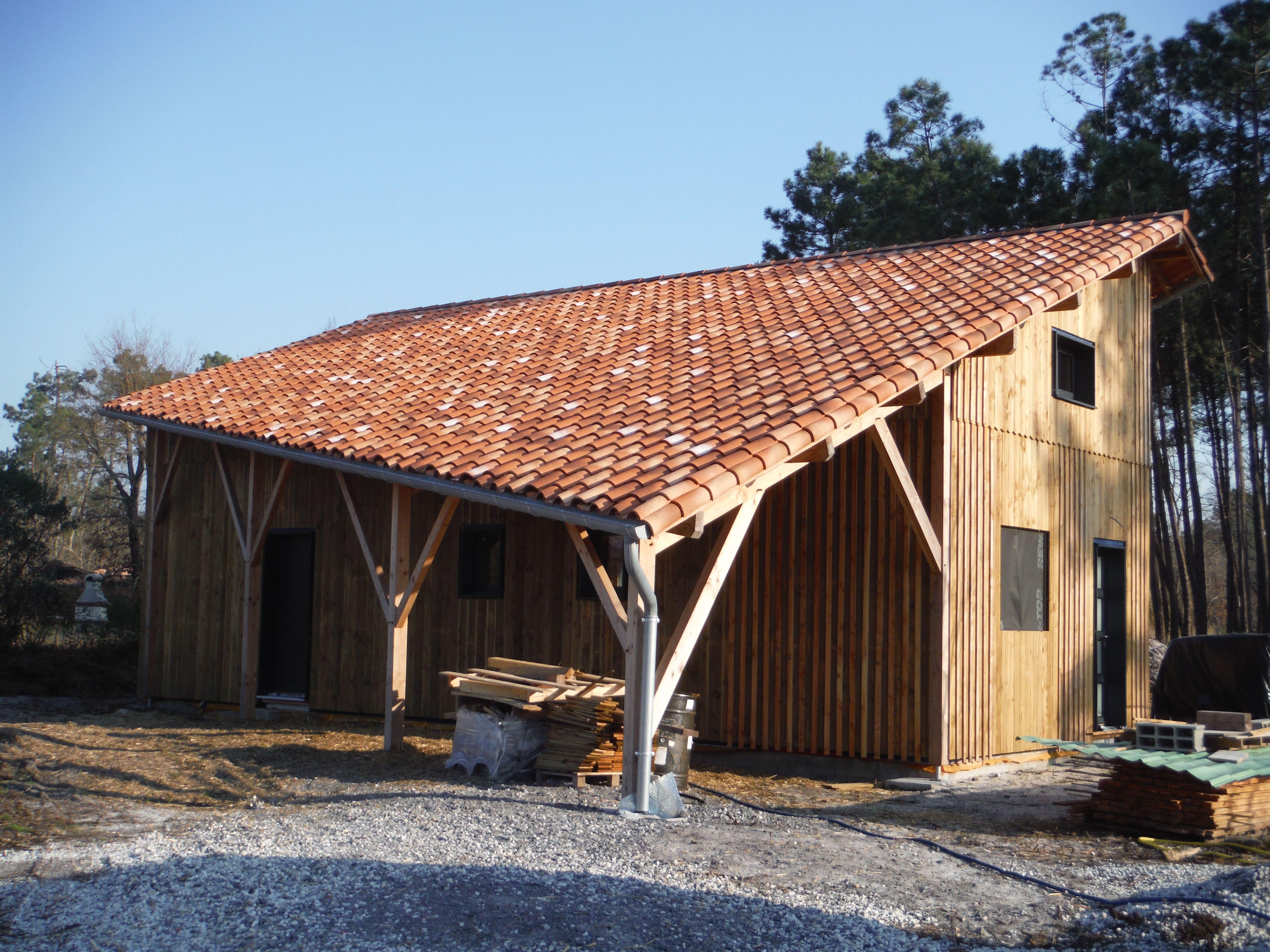 Maison isolation en paille sur Sanguinet dans les landes, en technique caisson ossature bois. www.boisetpaille.com charpente Eddy FRUCHARD
