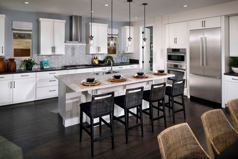 New Homes Las Vegas Nv 89148 4 Beds 3 Full Baths 1 Half Bath 2985 Sq Ft Call 702 720 2660 For Details And Incentiv In 2020 Home Pardee Homes Home Decor Kitchen