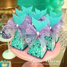 Detalhes especiais da festa linda da princesa Valentina!!! ____________________________ ⠀ Contato, Informações e Orçamentos: EXCLUSIVAMENTE através do e-mail: geisavasconi@gmail.com Informe o modelo, quantidade e data da festa! ____________________________ ⠀ #festainfantil #kidsparty #festapersonalizada #disney #pequenasereia #littlemermaid #encontrandoideias #entrenafesta #loucaporfestas #temapequenasereia #festapequenasereia #littlemermaidparty #partyideas #convite #persona...