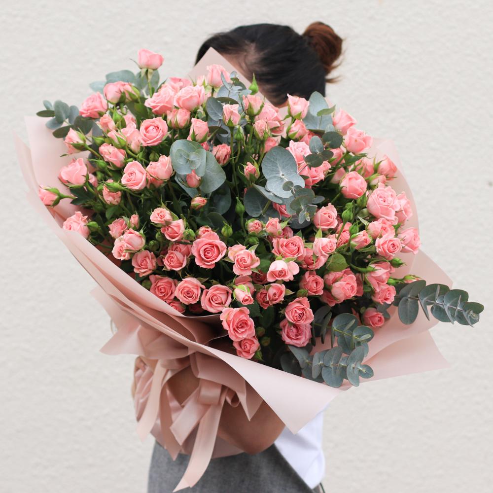Odilla Spray roses bouquet, Flower delivery, Flower spray