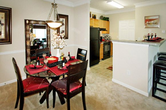 404 220 8013 1 3 Bedroom 1 2 Bath Southwood Vista 2100 Southwood Blvd Atlanta Ga 30331 Home Decor Apartments For Rent Home