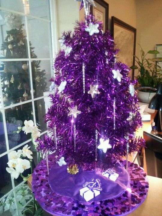 purple christmas tree seasonal christmas trees. Black Bedroom Furniture Sets. Home Design Ideas