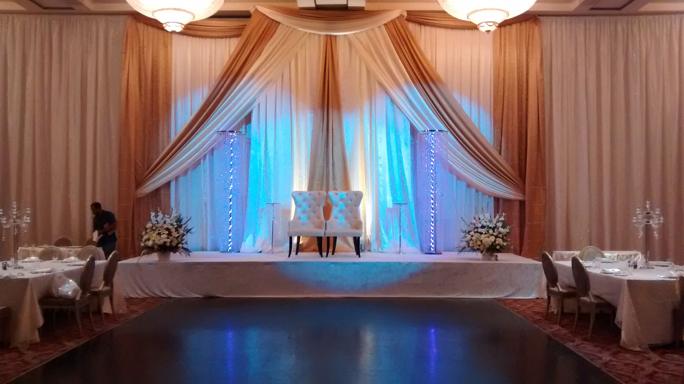 Play Up Your Backdrop By Adding King And Queen Chairs To Your Big