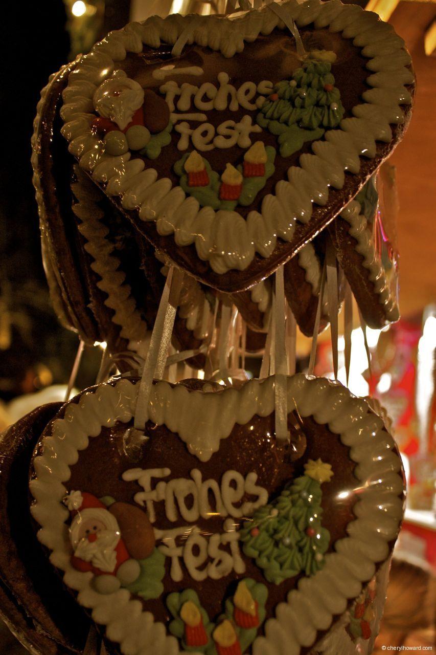 Christmas Markets: Schloss Charlottenburg in Berlin.    http://cherylhoward.com/2011/11/27/christmas-markets-schloss-charlottenburg-in-berlin/    #europe #christmas #germany #travel #christmas #markets