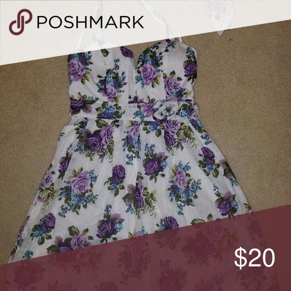 Floral Dress Worn a few times Dresses Mini