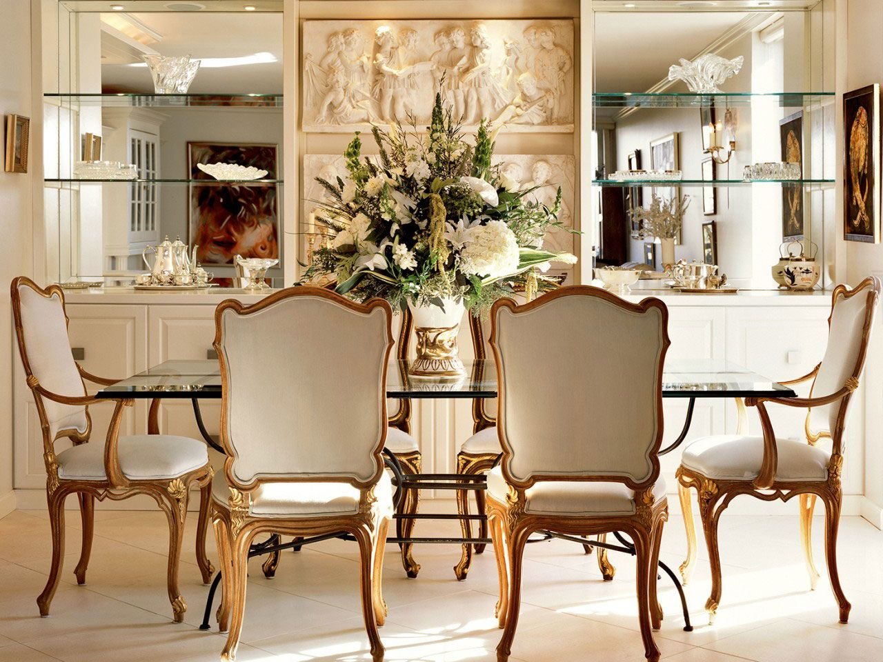 Stunning luxurious dining room design with Louis XV style chairs