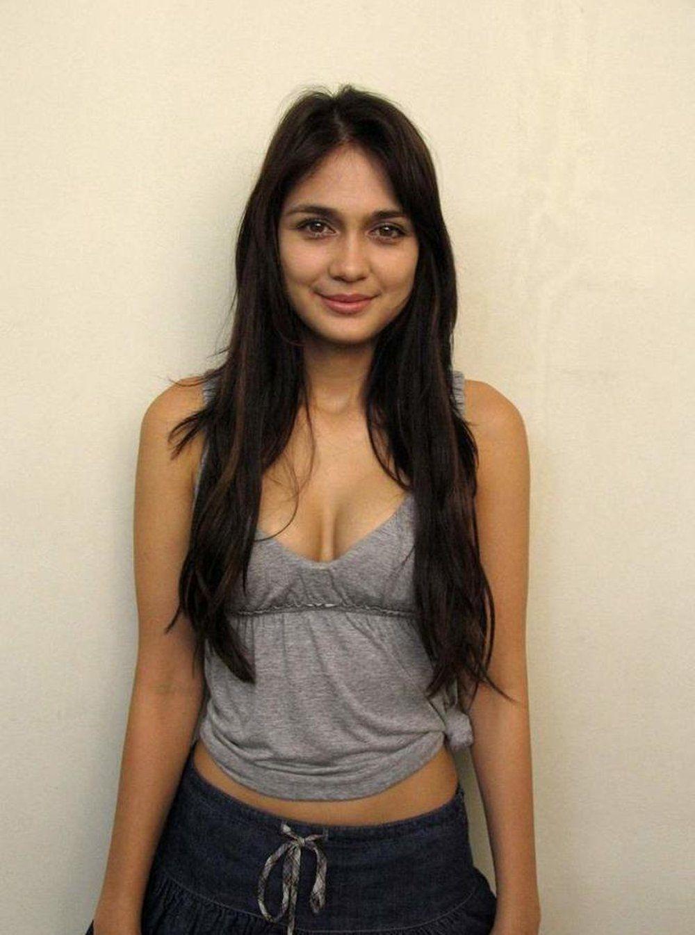 Luna Maya Setelah Putus Sama Reino Barack Wanita Cantik Wanita Artis