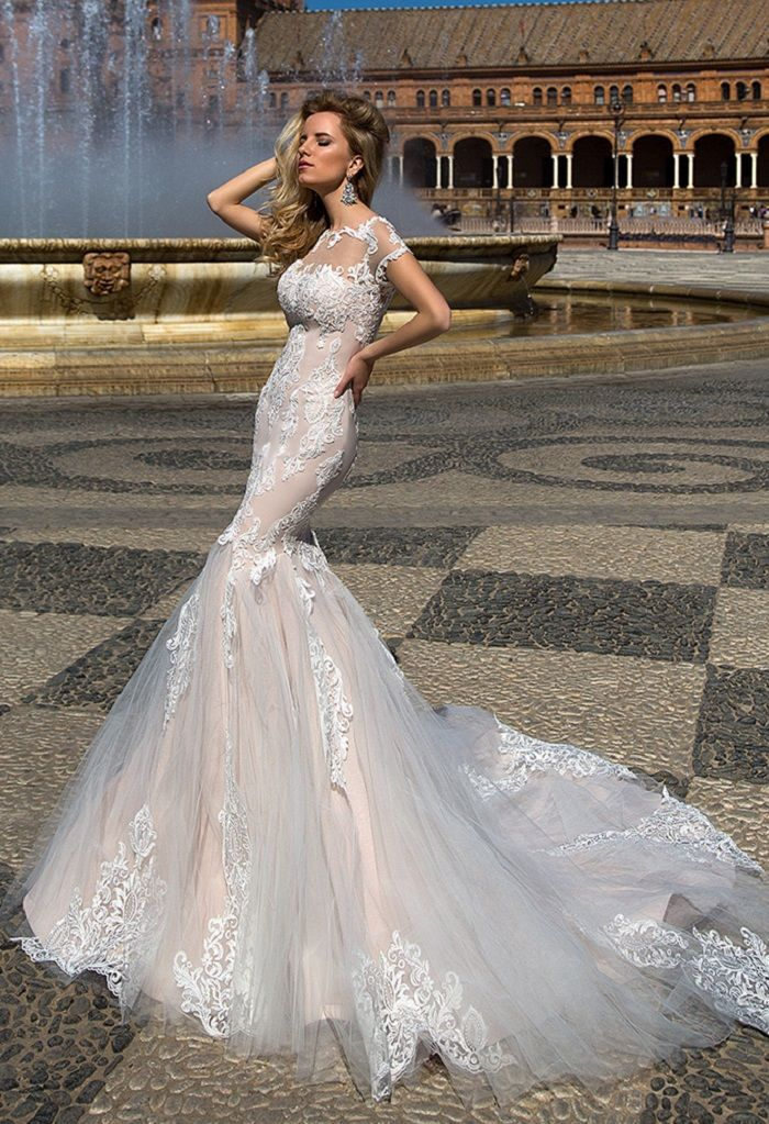Oksana Mukha 2017 bridal collection #weddingdress #weddingdresses #weddinginspiration #weddinggown #bridalgown #bridalcollection
