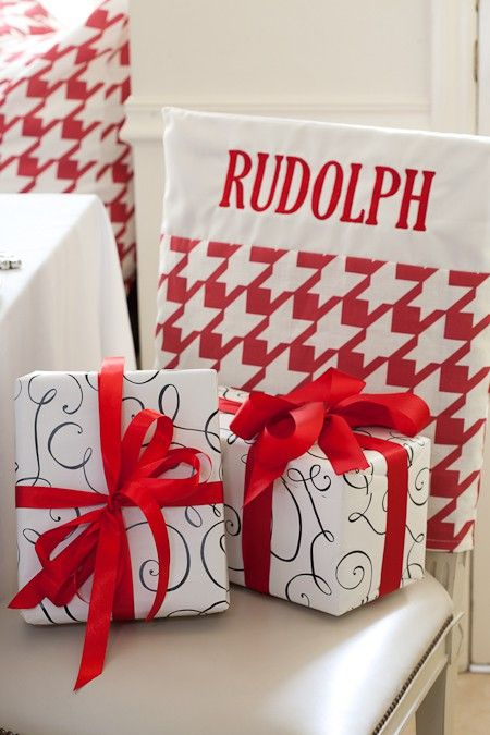 A Gift Wrapped Life Gifting Tips Advice And Inspiration The Gift Wrap Extravaganza Merry Red Gift Wrapping Gifts Creative Christmas Projects