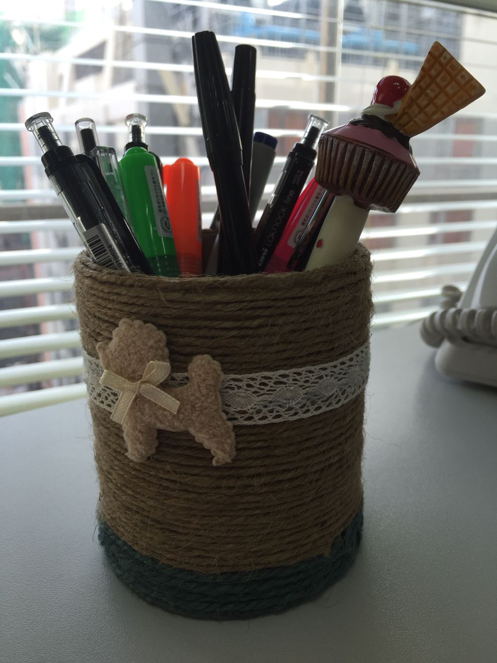 Pen holder made from toilet paper roll
