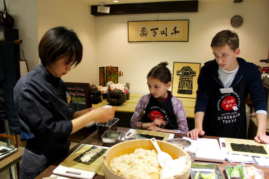 What to do in Tokyo Japan with kids - Sushi class