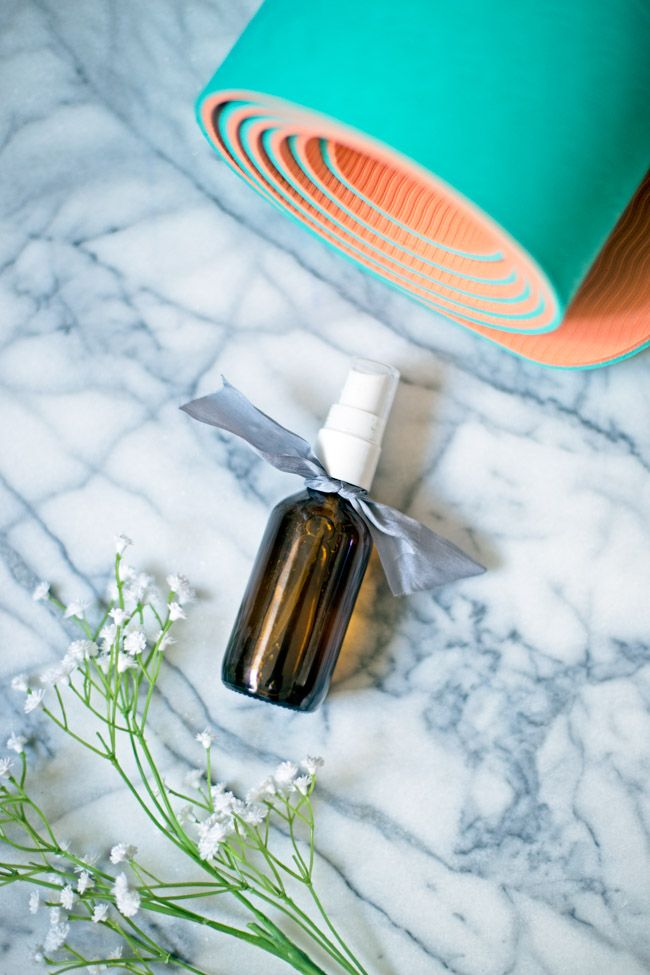 Is your yoga mat getting a little funky? Freshen it up with this easy DIY yoga mat spray.