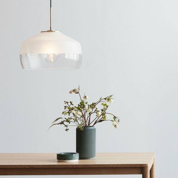 Deckenlampe Glas frost/Messing von Hübsch Interior