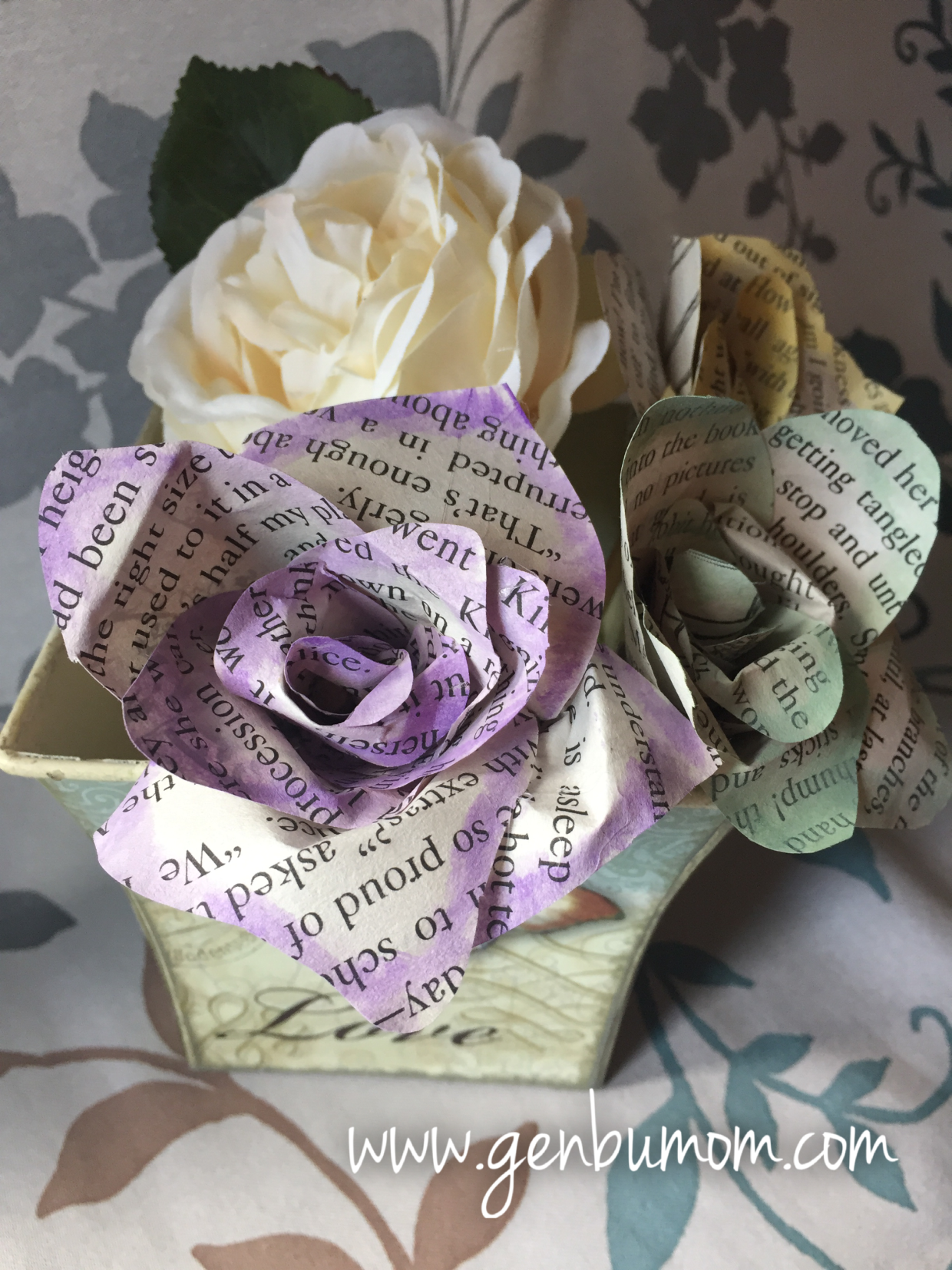 Easy Diy Paper Flowers Using Book Pages And Craft Paper Two Methods