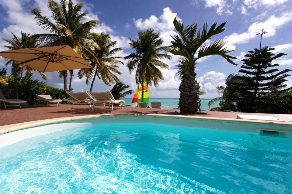 Villa Pura Vida Villa De Luxe Pour 8 10 Personnes 4 Chambres En Guadeloupe Au Bord Du Lagon Villa De Luxe Villa Saint Francois