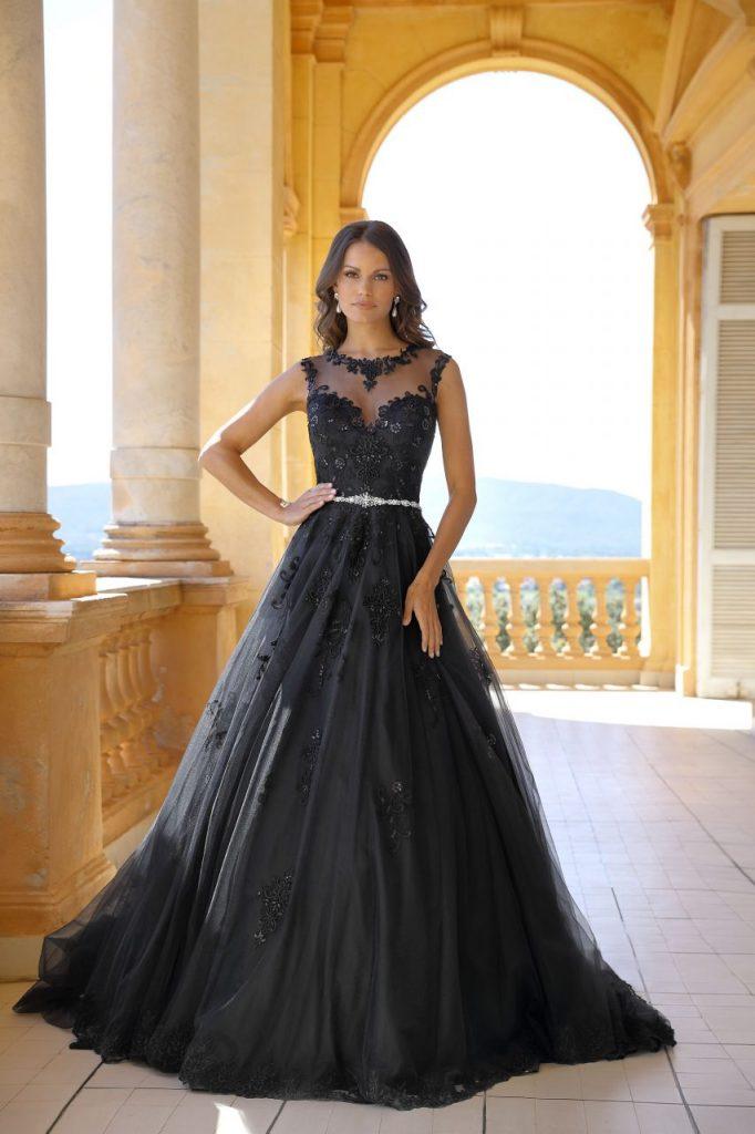 Schon Und Magisch Das Schwarze Hochzeitskleid Bridal Times Schwarzes Brautkleid Abschlussball Kleider Schwarz Schwarzes Kleid Zur Hochzeit