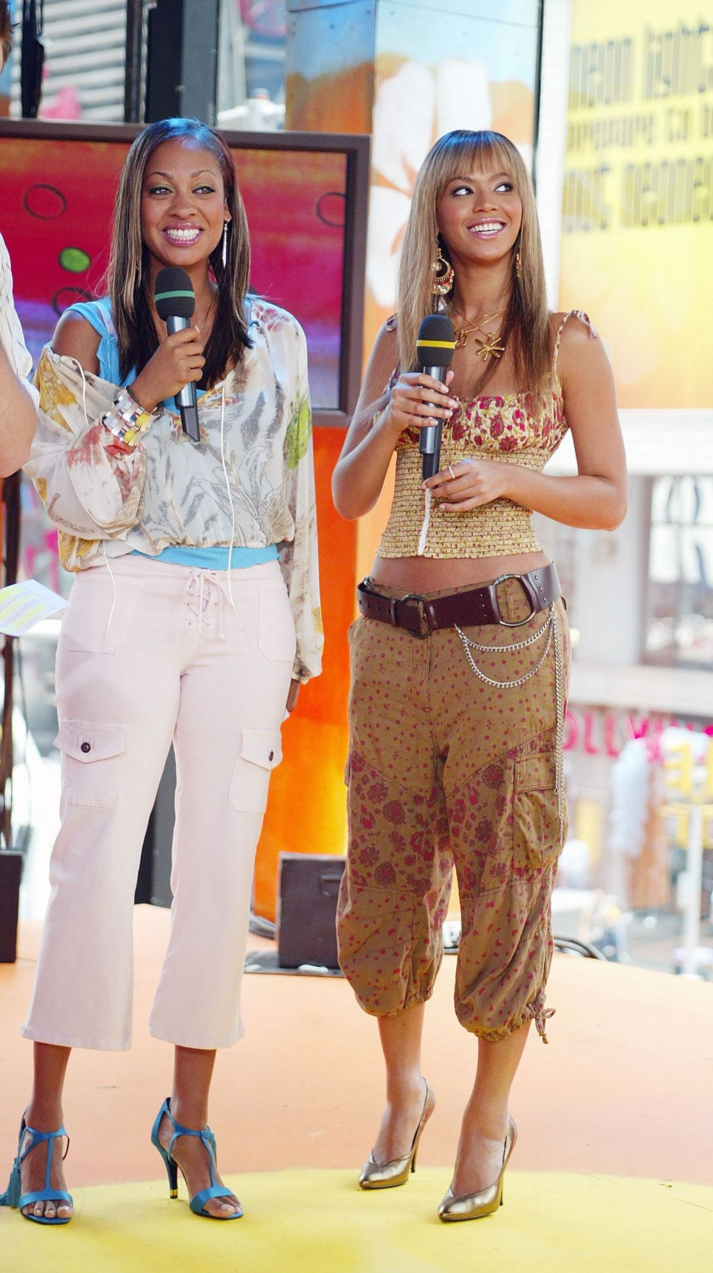 When She Rolled Through TRL In This Cargo-chic Look