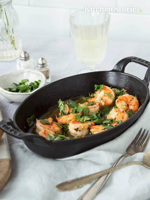 Spanish-style garlic shrimp | Recipe with Video | Kitchen Stories -  Spanish-style garlic shrimp  - #Garlic #garnelenrezept #Kitchen #Recipe #Shrimp #Spanishstyle #Stories #Video
