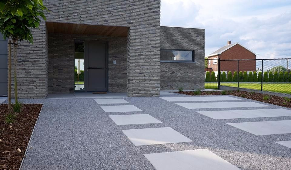 Oprit van grind en betontegels idee n voor het huis pinterest betontegels tuin en opritten - Tuin oprit plaat ...