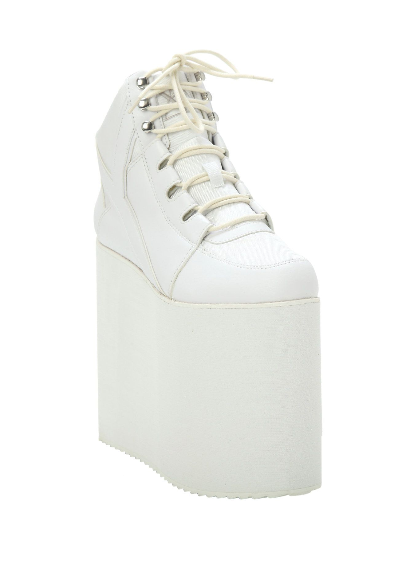 af1dc0c50e36e Yru Qozmo Sky-Hi white platform sneakers | Really cute, reminds me ...