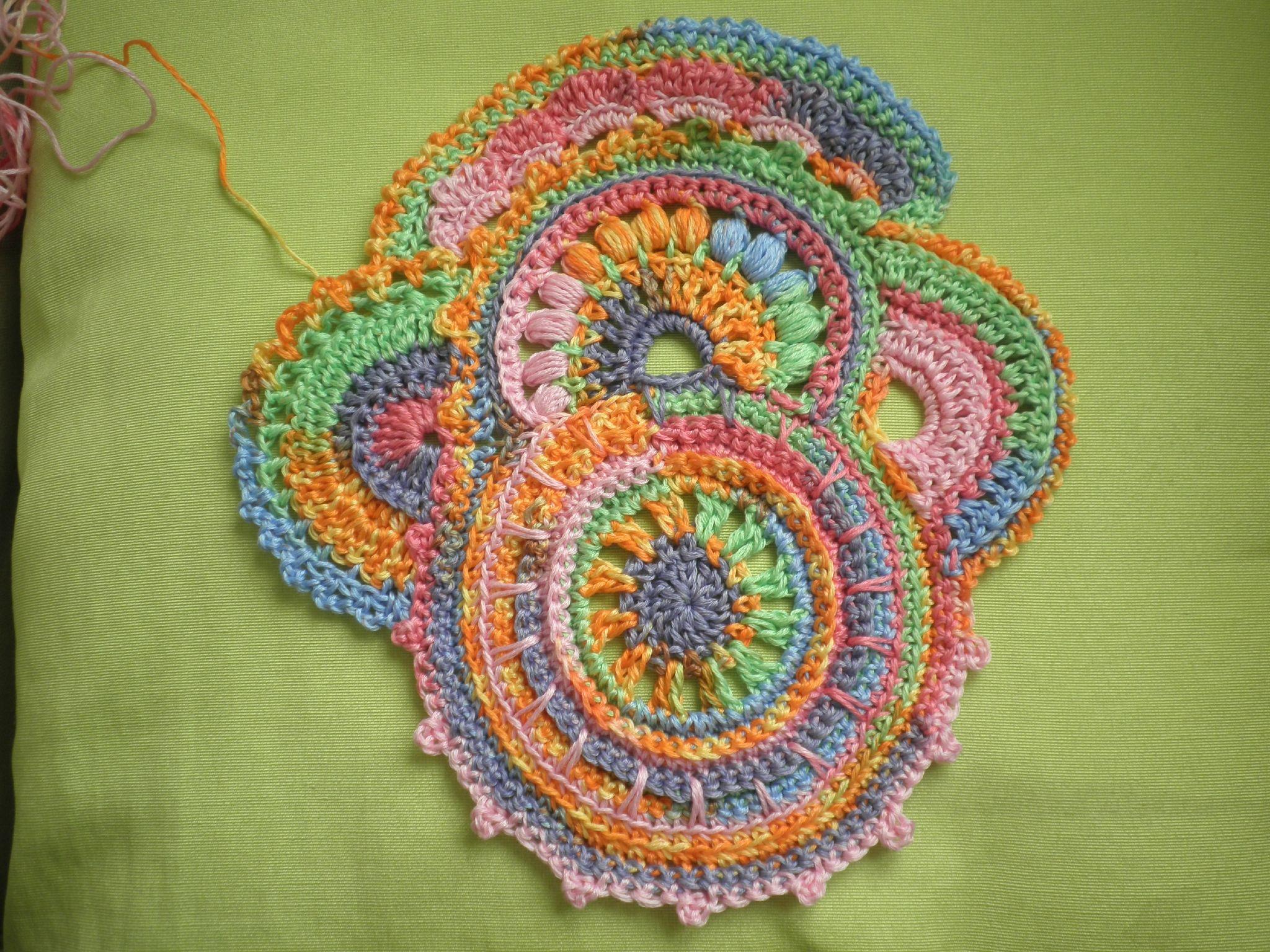 Réalisé par Sueza d'apres le tuto freeform 1 Voilà mon 1er tuto que jai - Easy Crochet