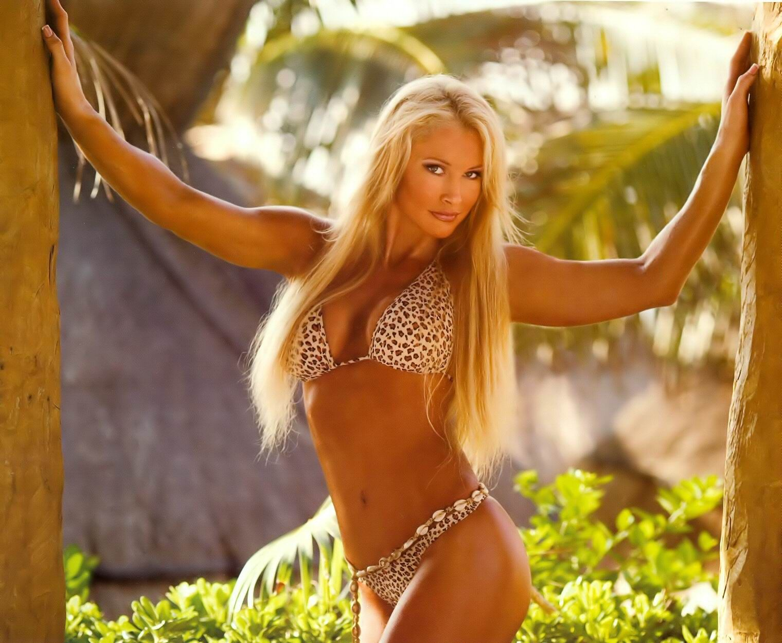 Sable hot bikini photos