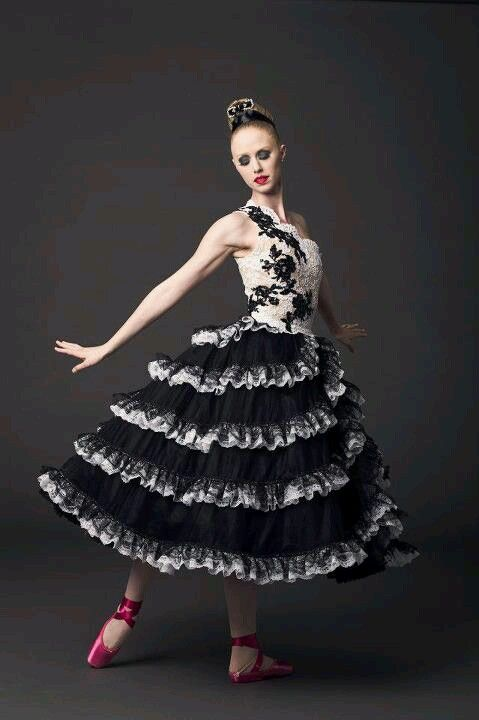 35d676969 NYCB-Valentino - One of the most beautiful costumes I have seen ...