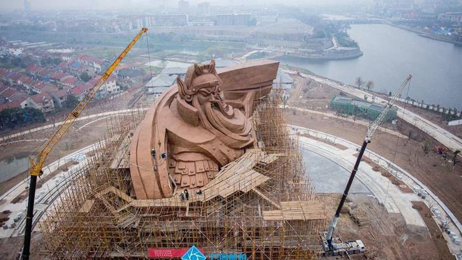 The latest in China's obsession with large statues, this one stands at 58 meters tall, and is the heaviest and largest statue so far of Guan Yu.