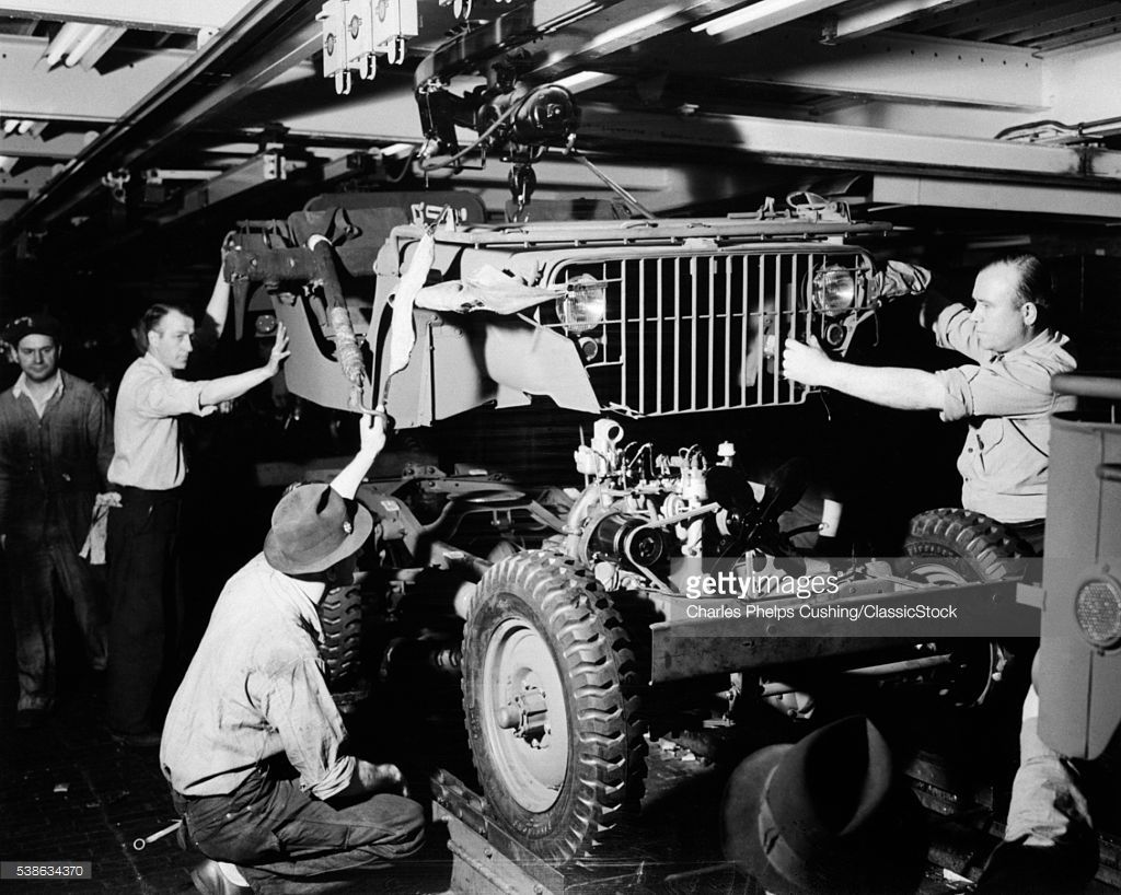 1940s DEFENSE WORKERS AUTOMOBILE ASSEMBLY LINE DROP BODY
