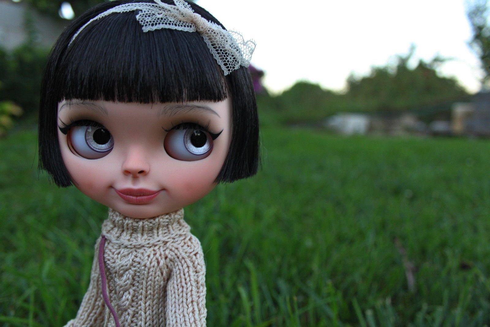 http://www.ebay.com/itm/OOAK-Custom-original-Blythe-doll-Check-it-Out-by-Olga-Kamenetskaya-/232068281127?hash=item360858f327:g:g8wAAOSwgZ1Xwfsh
