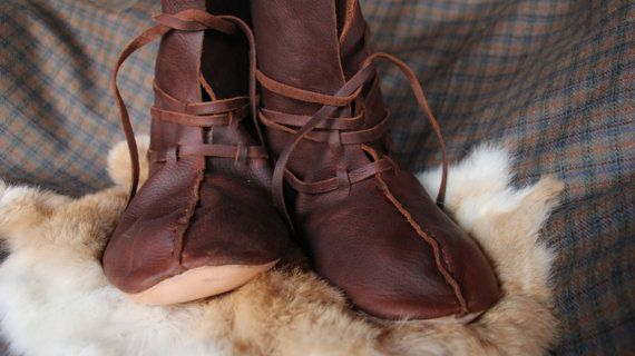 pretty nice 9b424 e3d39 Viking Boots | Crafting | Wikinger schuhe, Viking stiefel ...