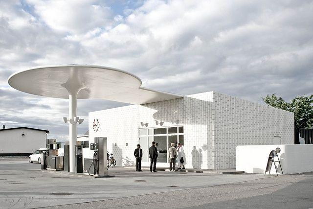 arne jacobsen gas station ( go when I go to Finn Juhl's home + deer park)