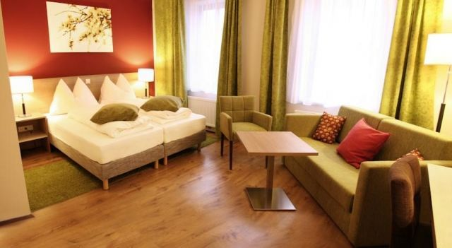 Gasthof Schmölz - 3 Star #Guesthouses - $63 - #Hotels #Austria #SanktChristofen http://www.justigo.uk/hotels/austria/sankt-christofen/gasthof-schmolz_50706.html