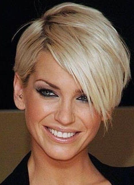Cheveux Courts  Découvrez les Plus Beaux Modèles à Suivre