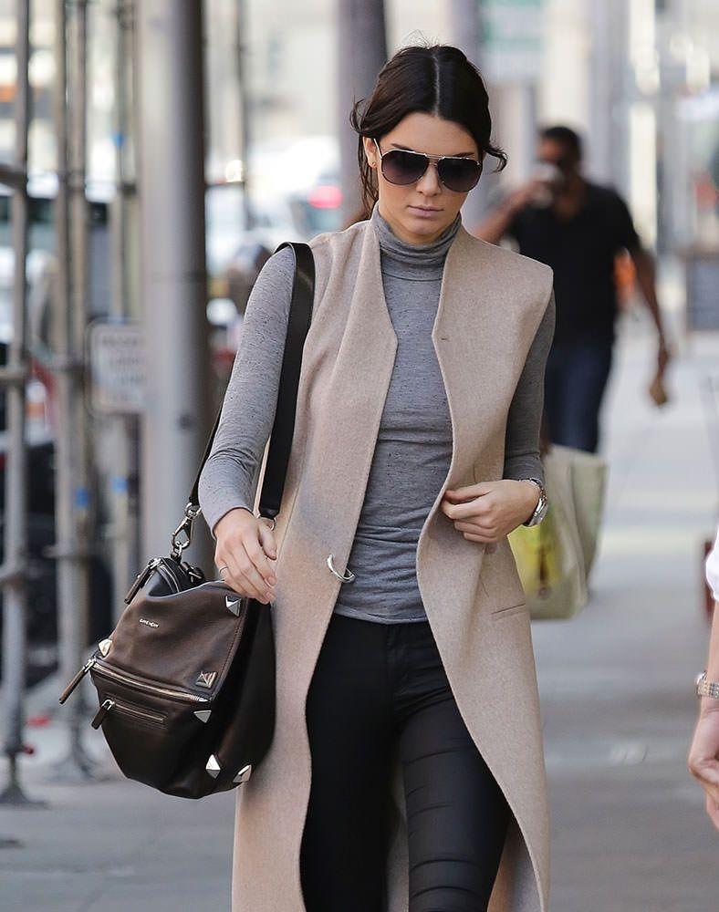 28a66b04328e Kendall-Jenner-Givenchy-Studded-Pandora-Bag