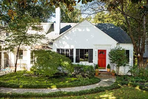 A 1940s House Makes A Fresh Start Brick Exterior House Exterior House Remodel House Exterior