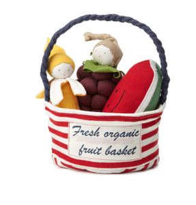 Review: Uncommon Goods Fresh Organic fruit basket - Cleverly Changing