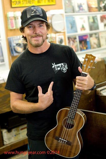 - Eddie Vedder holding a Ukulele - #music #singer #insperation #Pearljam #Eddievedder #musician #ukulele  http://www.pinterest.com/TheHitman14/musical-inspirations/