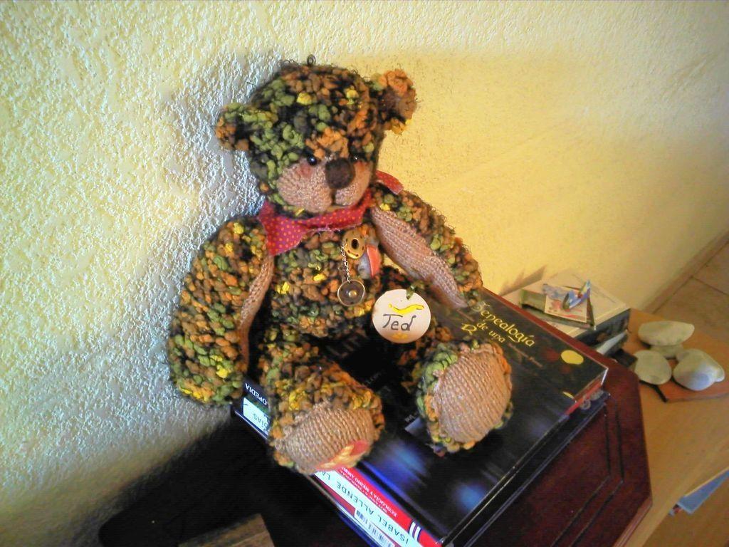 Ted Oso totalmente tejido a mano. El taller de sahiel. http://eltallerdesahiel.blogspot.mx/