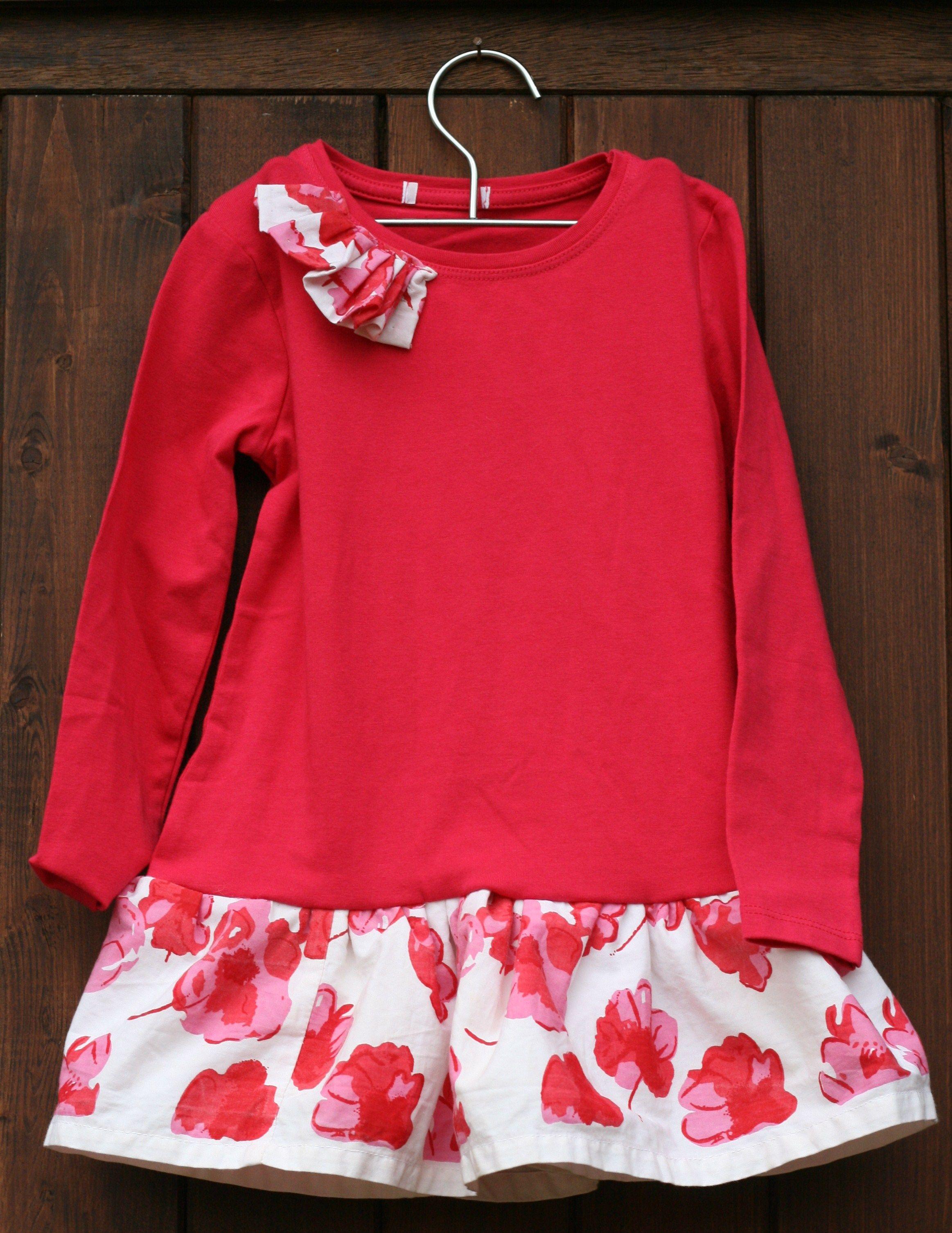 un 2eme Tee shirt et voilà une autre robe pour ma  petite A....