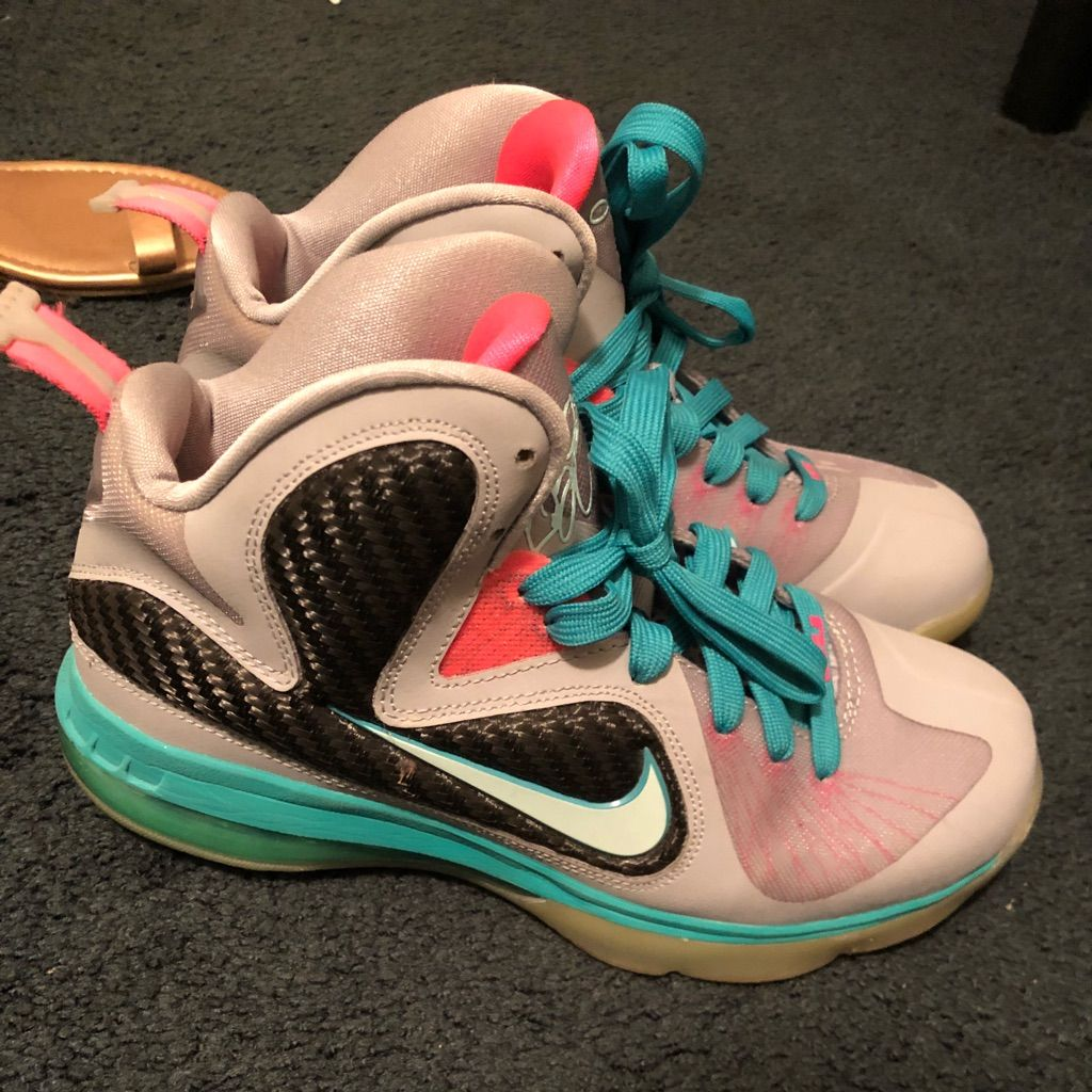 Nike Shoes South Beach Labrons Color Blue Pink Size 6 5