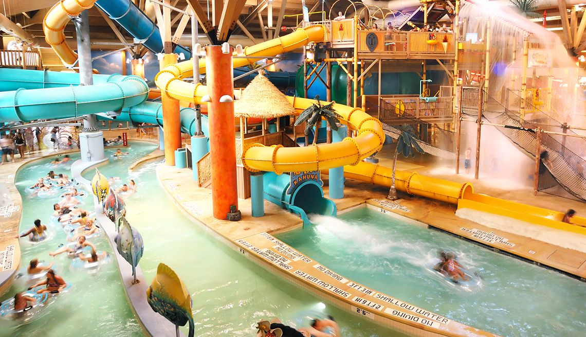 Indoor Water Parks to Visit During Fall and Winter Water