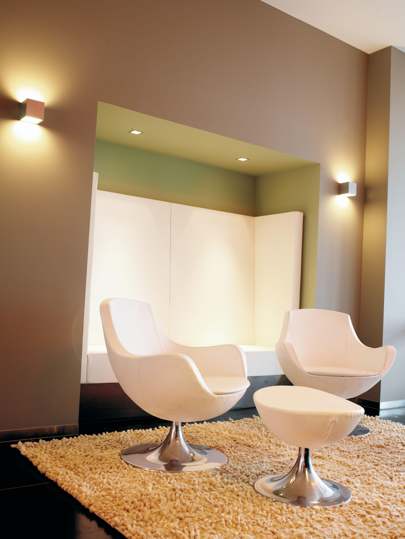 Wandlamp, prachtige sfeer in woonkamer, Box, Wever en Ducre ...